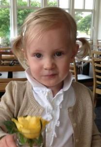 Ebba med en ros